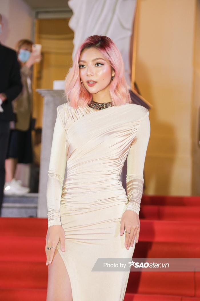 Thảm đỏ 'Ngôi sao xanh 2020': Chi Pu đọ sắc LONA cùng dàn Hoa hậu đẹp ngút ngàn của Việt Nam Ảnh 27