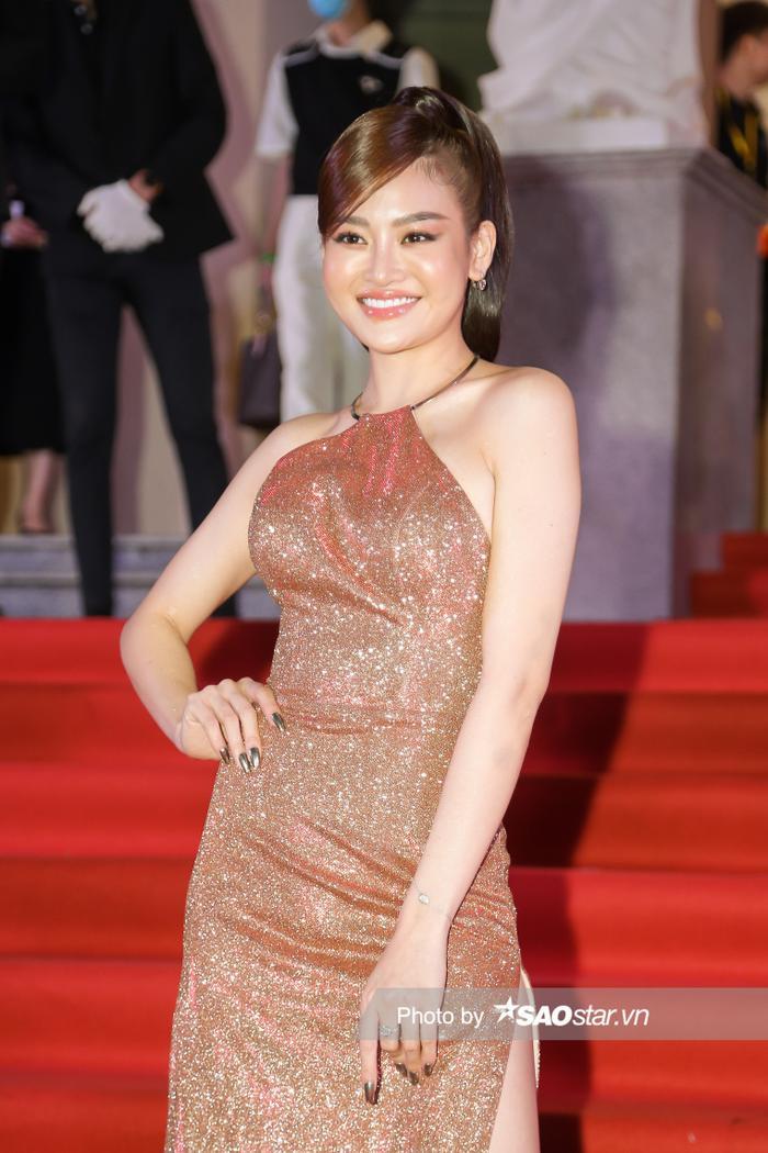 Thảm đỏ 'Ngôi sao xanh 2020': Chi Pu đọ sắc LONA cùng dàn Hoa hậu đẹp ngút ngàn của Việt Nam Ảnh 52