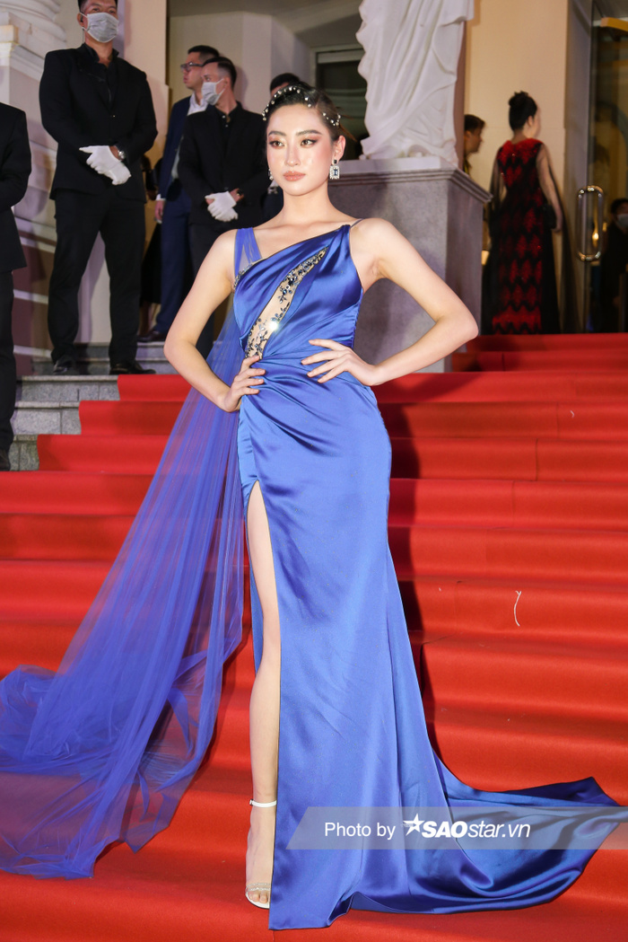 Thảm đỏ 'Ngôi sao xanh 2020': Chi Pu đọ sắc LONA cùng dàn Hoa hậu đẹp ngút ngàn của Việt Nam Ảnh 9