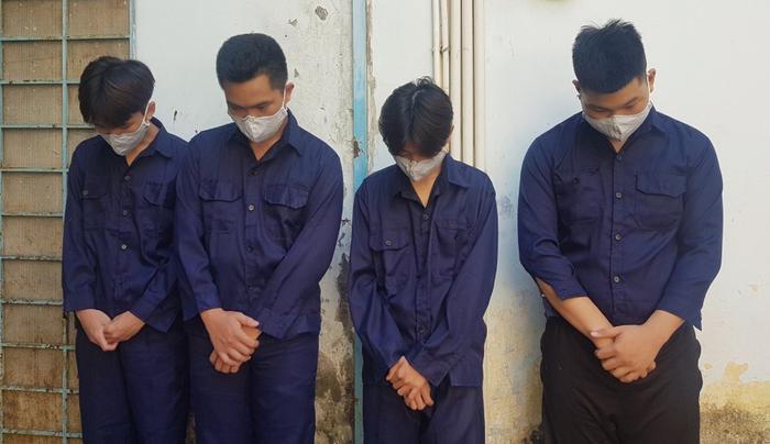 Mâu thuẫn từ việc 'nhìn đểu', 2 nhóm học sinh THPT hẹn nhau từ Đà Lạt về TP.HCM hỗn chiến Ảnh 1