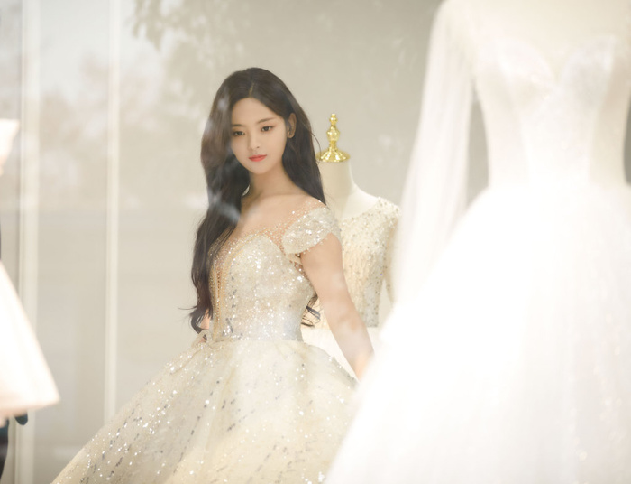 Dương Siêu Việt xinh đẹp và ngọt ngào khi diện váy cưới Ảnh 10