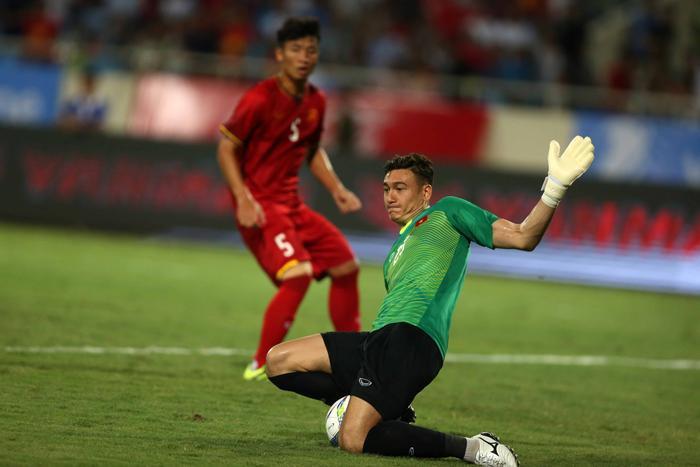 Vì sao đội bóng Thái Lan muốn kiện thủ môn Đặng Văn Lâm? Ảnh 1