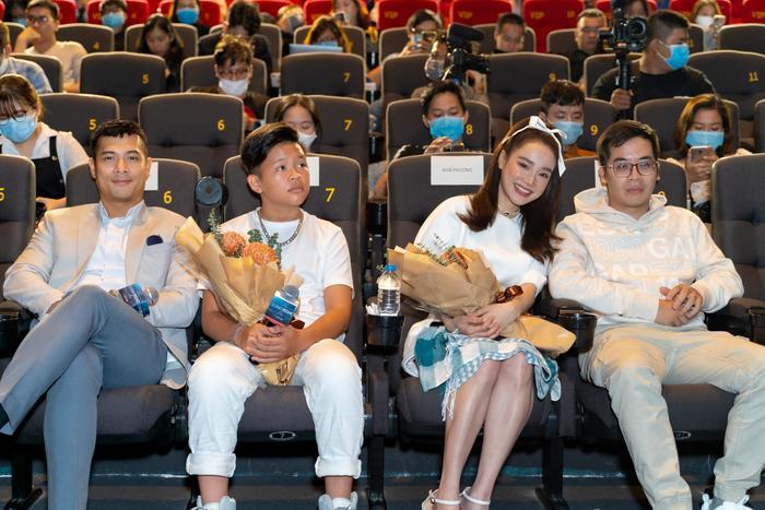 Họp báo 'Song Song': Nhã Phương ngọt ngào bên Trương Thế Vinh, Trường Giang có ghen tuông? Ảnh 17
