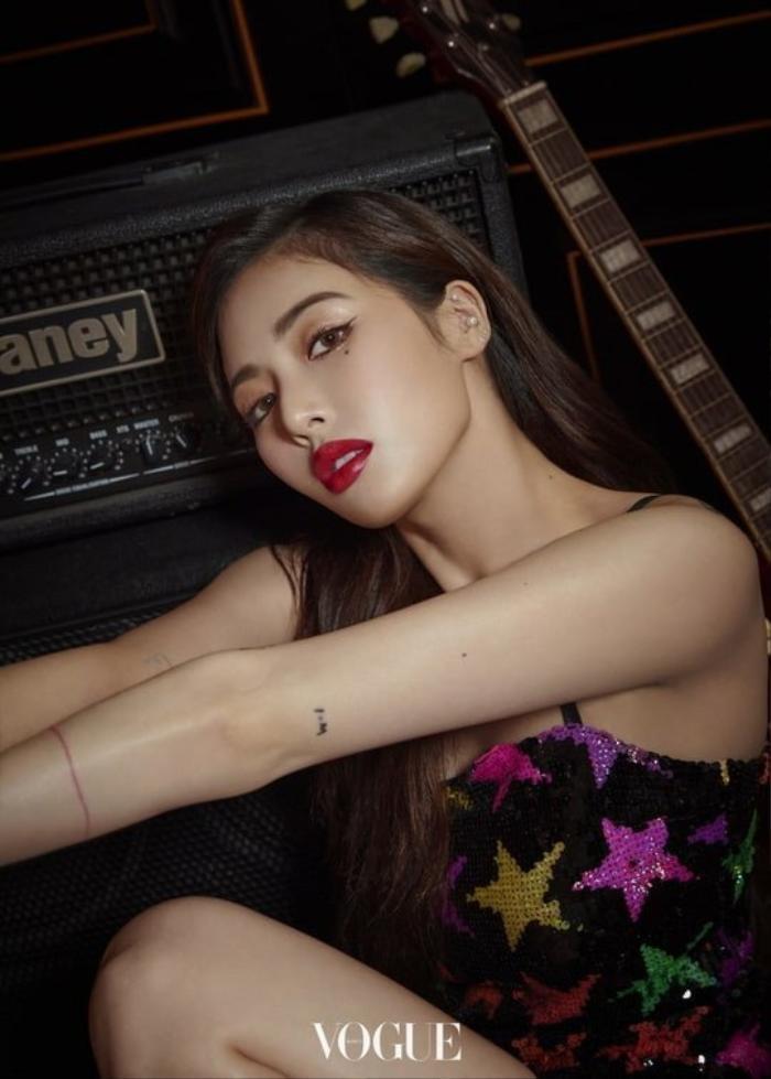 Tung concept teaser mới, 'cô nàng lắm chiêu' HyunA sắp trở lại?