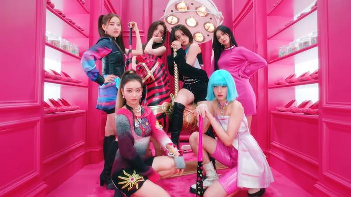 Kpop tiếp tục có thêm 1 'fan girl thành công' khi trở thành đồng nghiệp của Idol Ảnh 8