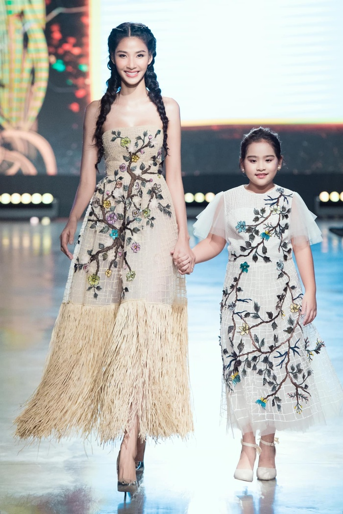 Mỹ nhân đắt show Vedette nhất năm 2020: Minh Tú - Hoàng Thùy - Lan Khuê, ai hot hơn ai? Ảnh 7