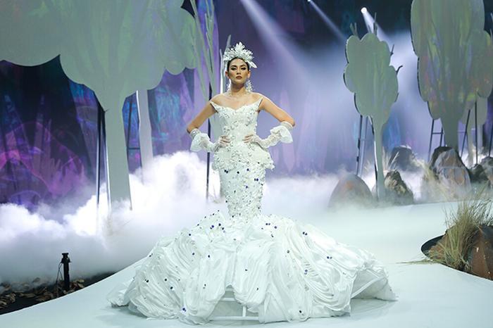 Mỹ nhân đắt show Vedette nhất năm 2020: Minh Tú - Hoàng Thùy - Lan Khuê, ai hot hơn ai? Ảnh 5