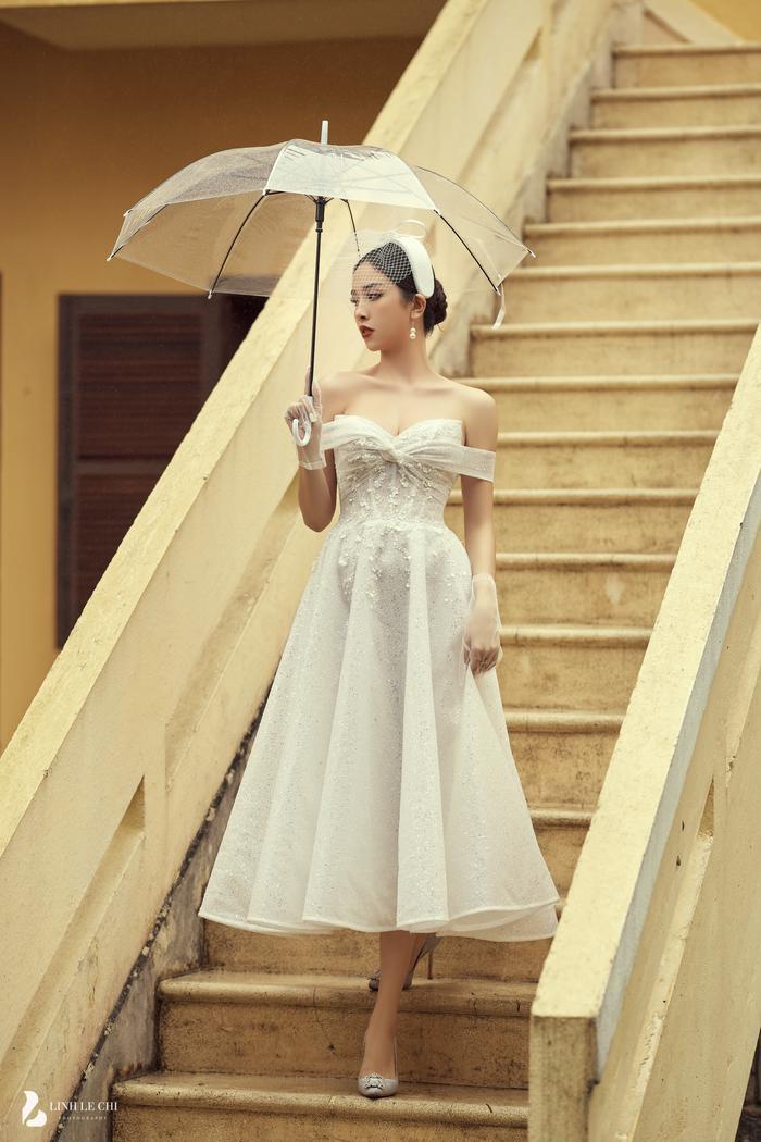Á Hậu Thúy An hé lộ ảnh cưới lung linh tại Đà Lạt: Cô dâu nhan sắc rạng ngời, chú rể điển trai phong độ Ảnh 1