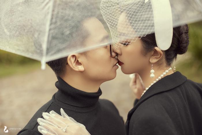 Á Hậu Thúy An hé lộ ảnh cưới lung linh tại Đà Lạt: Cô dâu nhan sắc rạng ngời, chú rể điển trai phong độ Ảnh 13