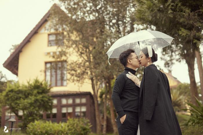 Á Hậu Thúy An hé lộ ảnh cưới lung linh tại Đà Lạt: Cô dâu nhan sắc rạng ngời, chú rể điển trai phong độ Ảnh 14