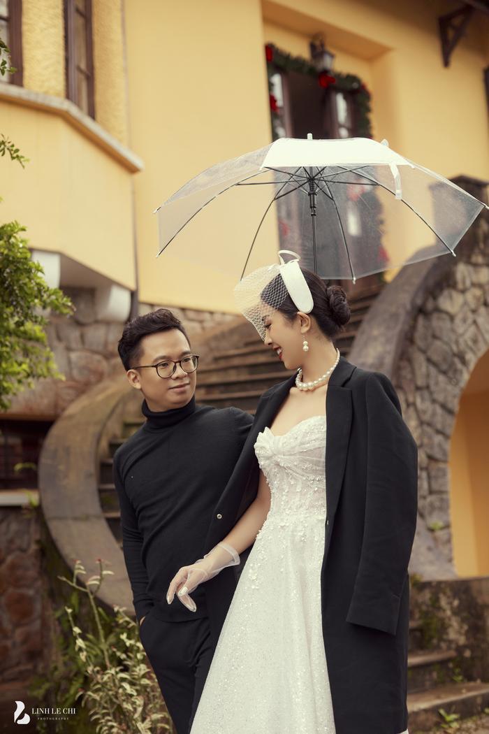 Á Hậu Thúy An hé lộ ảnh cưới lung linh tại Đà Lạt: Cô dâu nhan sắc rạng ngời, chú rể điển trai phong độ Ảnh 16