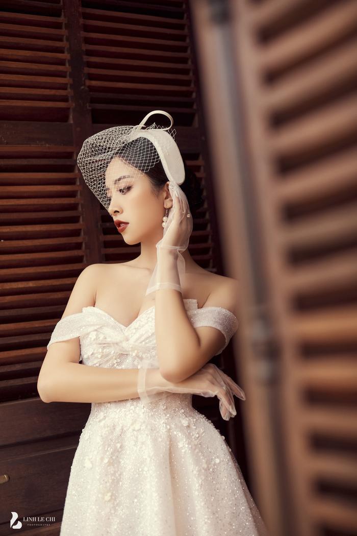 Á Hậu Thúy An hé lộ ảnh cưới lung linh tại Đà Lạt: Cô dâu nhan sắc rạng ngời, chú rể điển trai phong độ Ảnh 21
