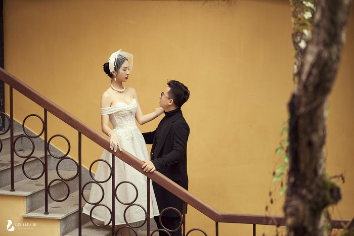 Á Hậu Thúy An hé lộ ảnh cưới lung linh tại Đà Lạt: Cô dâu nhan sắc rạng ngời, chú rể điển trai phong độ Ảnh 4