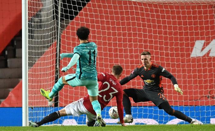Man Utd ngược dòng ấn tượng, đá văng Liverpool khỏi FA Cup Ảnh 1