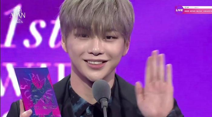 APAN Music Awards 2020: Daesang dễ đoán, Kang Daniel thắng đậm, BlackPink 'vuột tay' những giải lớn Ảnh 12