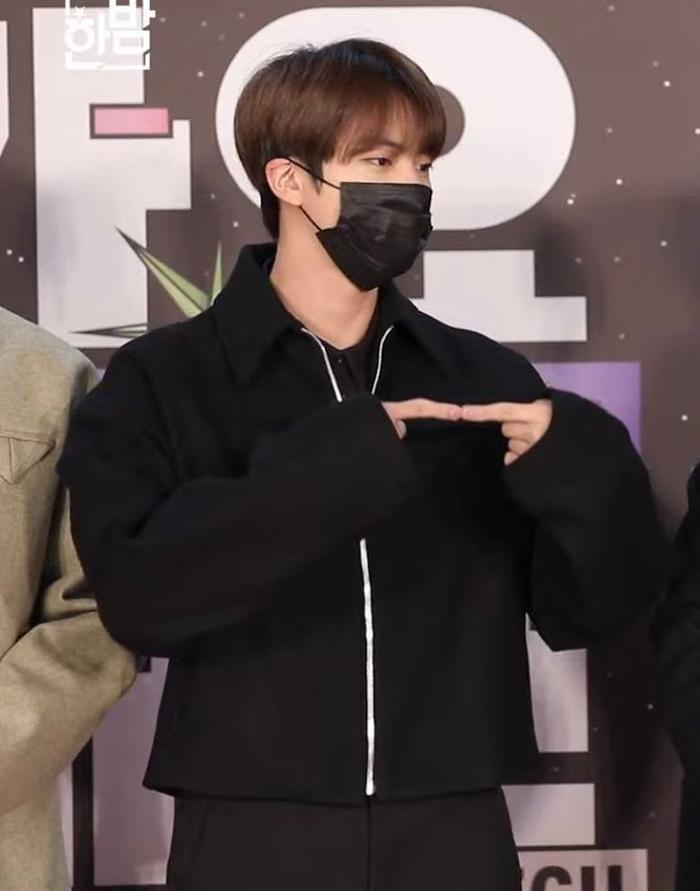 Bị Jin (BTS) ra hiệu 'nghỉ chơi', Jimin cứu vãn bằng hành động cực lãng mạn Ảnh 1