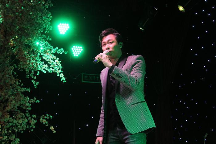 Đồng nghiệp nghẹn ngào tưởng nhớ Vân Quang Long, gây quỹ hơn 220 triệu đồng ủng hộ cho các con của cố ca Ảnh 6