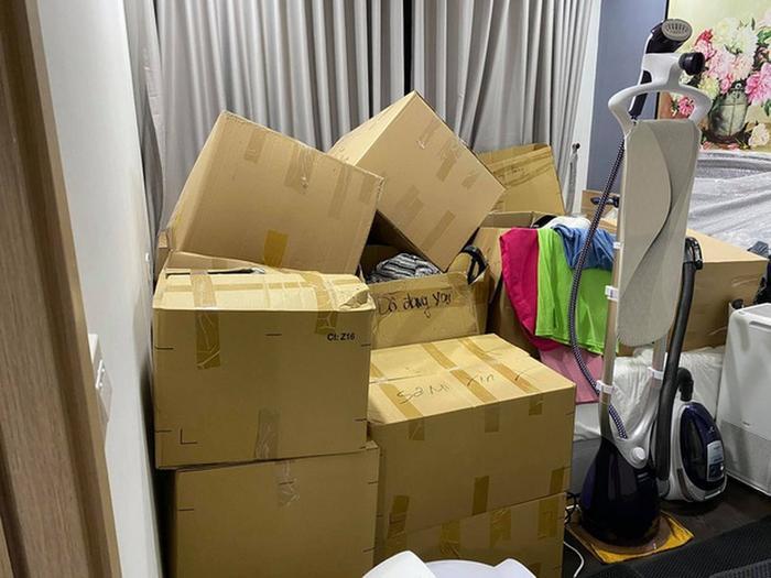 Hari Won 'than thở' vì phải chuyển nhà lên đến 50 lần: 'Thật sự quá mệt mỏi!'
