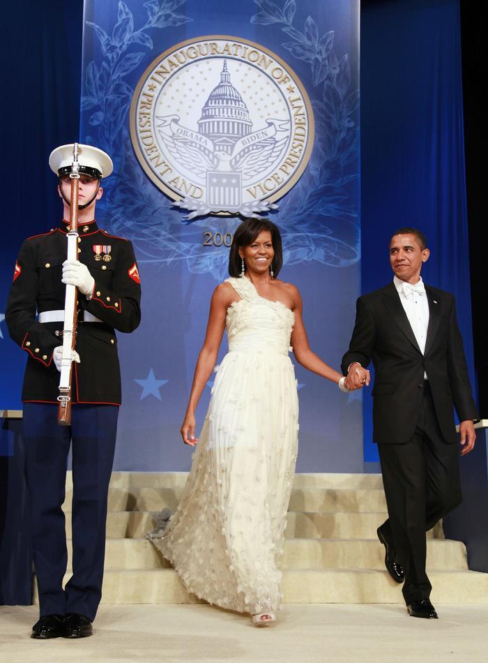 Thời trang thanh lịch của các Đệ nhất Phu nhân Mỹ trong lễ nhậm chức qua từng nhiệm kỳ Ảnh 10