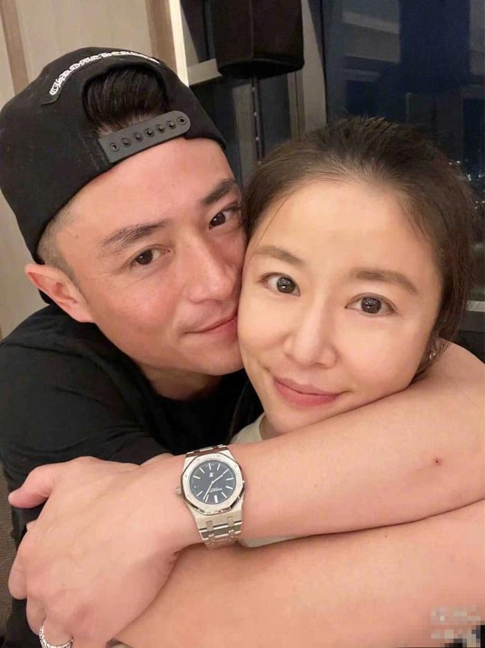 Hoắc Kiến Hoa choàng tay, ôm hôn Lâm Tâm Như thể hiện tình cảm trong ngày sinh nhật của vợ Ảnh 2