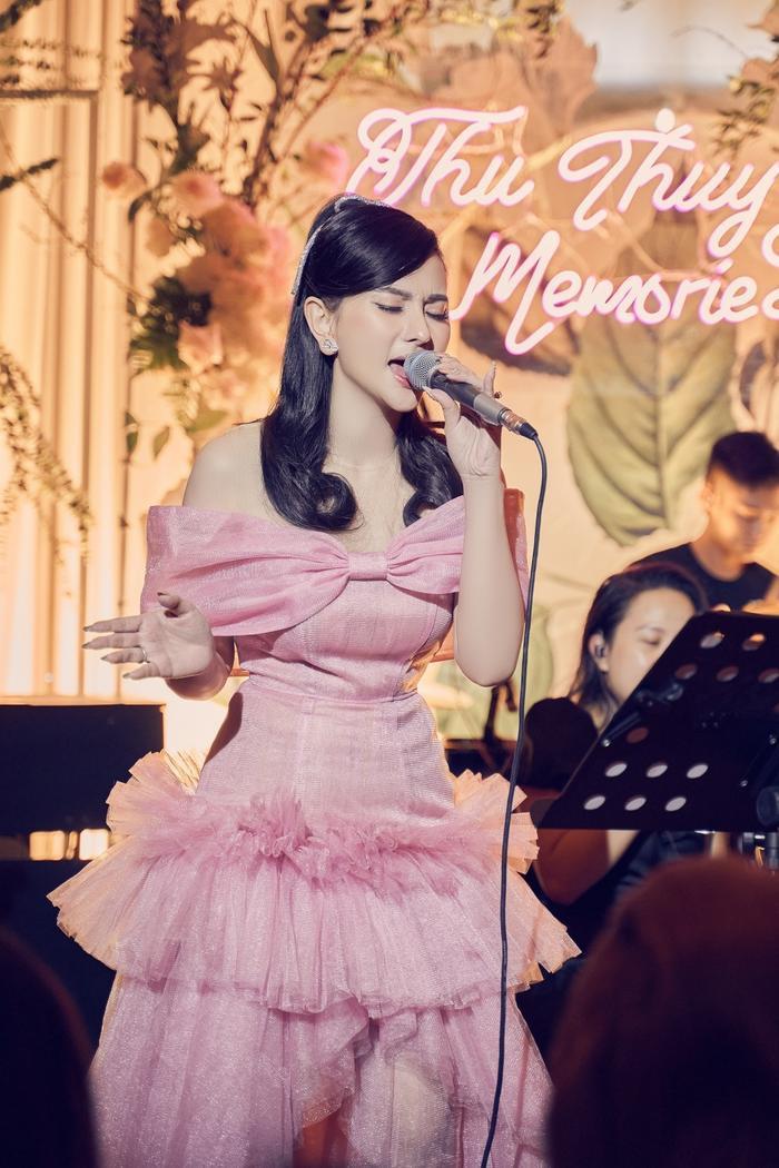 Thu Thủy tiết lộ kỷ niệm đặc biệt với Tăng Phúc trong đêm nhạc Thu Thuy's Memories Ảnh 5