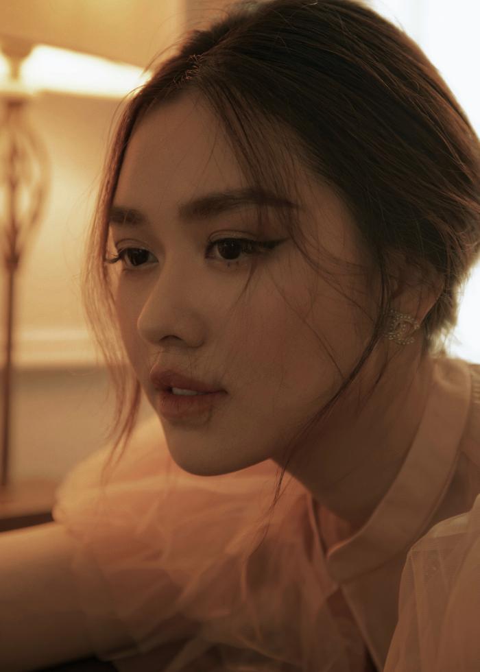 Qúa xinh đẹp, thuần khiết Á hậu Tường San được fan ví như Song Hye Kyo phiên bản Việt Ảnh 10