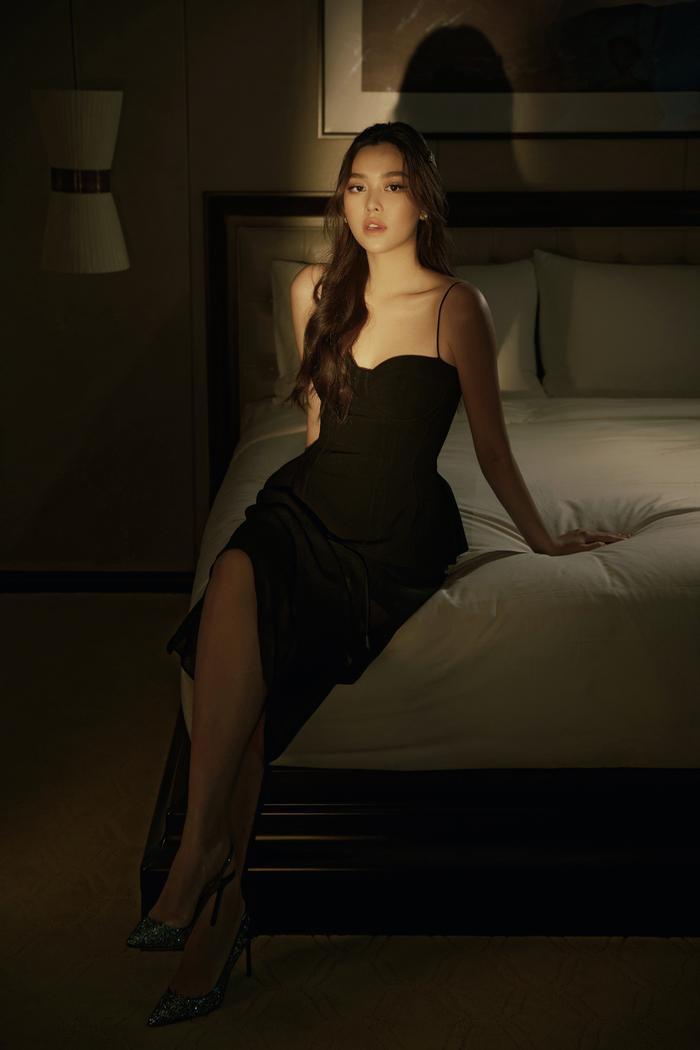 Qúa xinh đẹp, thuần khiết Á hậu Tường San được fan ví như Song Hye Kyo phiên bản Việt Ảnh 13