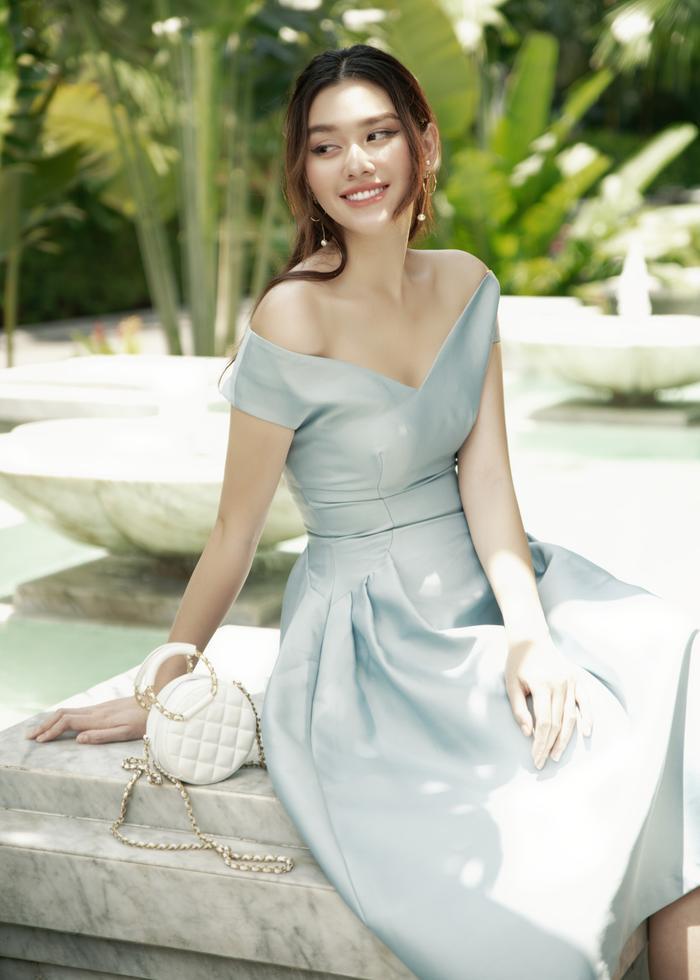 Qúa xinh đẹp, thuần khiết Á hậu Tường San được fan ví như Song Hye Kyo phiên bản Việt Ảnh 20