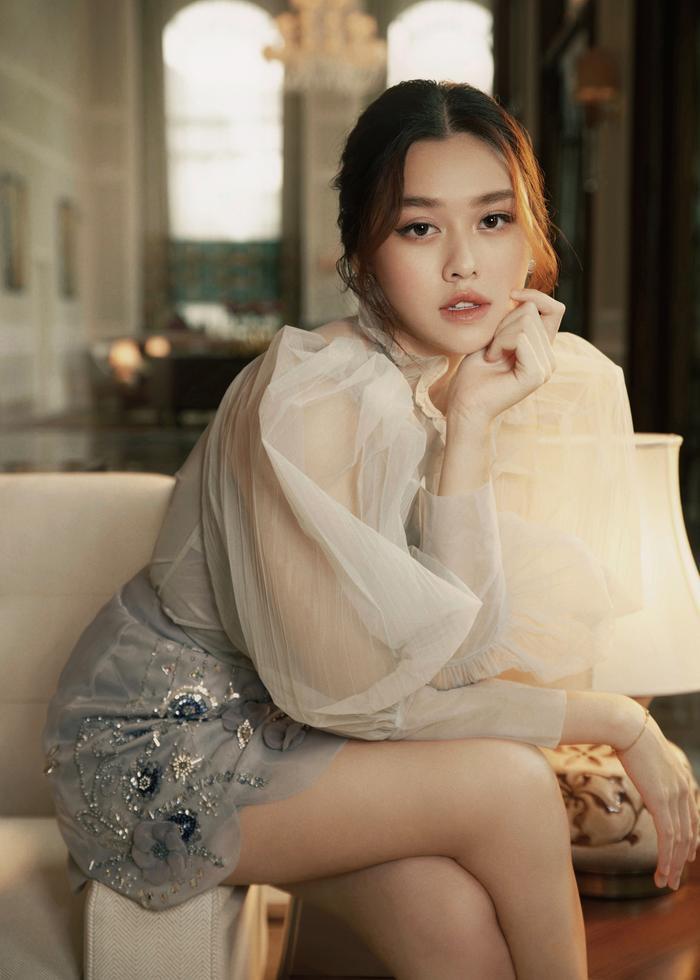 Qúa xinh đẹp, thuần khiết Á hậu Tường San được fan ví như Song Hye Kyo phiên bản Việt Ảnh 4