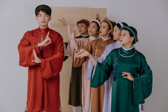 Quang Đăng diện áo dài rực rỡ đón Tết, lần đầu chia sẻ về chị gái ruột đang sống xa nhà Ảnh 2