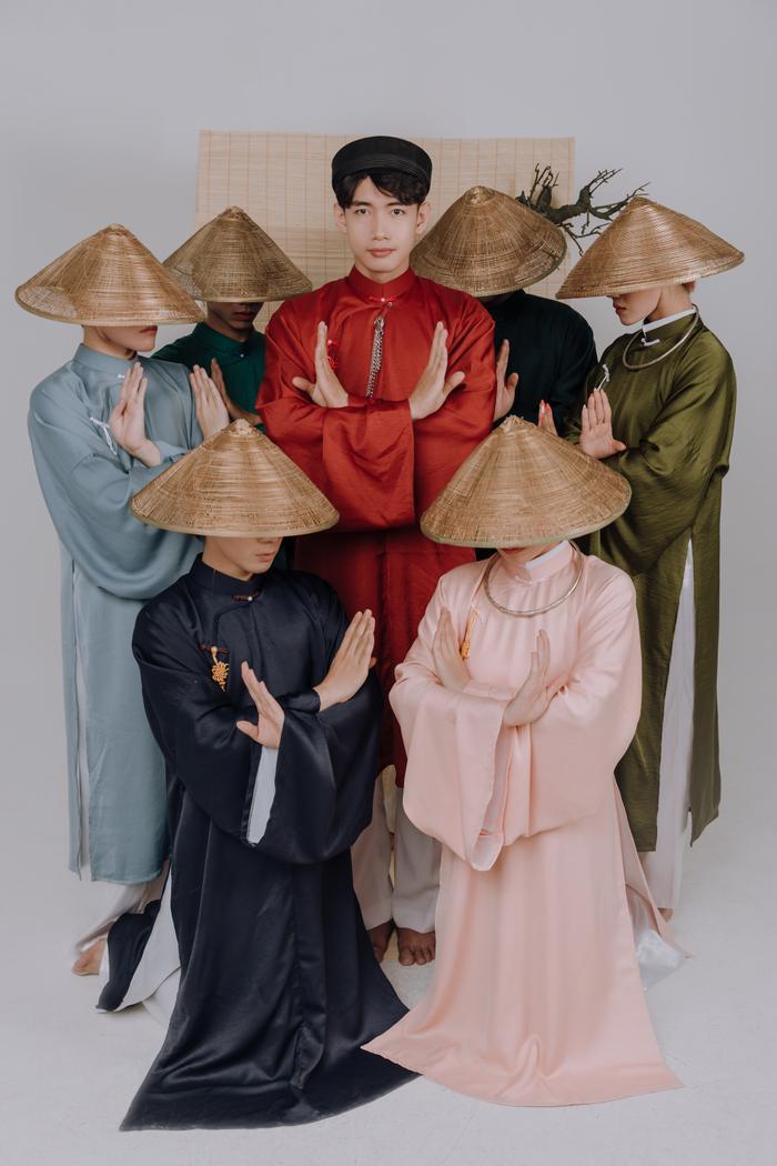 Quang Đăng diện áo dài rực rỡ đón Tết, lần đầu chia sẻ về chị gái ruột đang sống xa nhà Ảnh 8