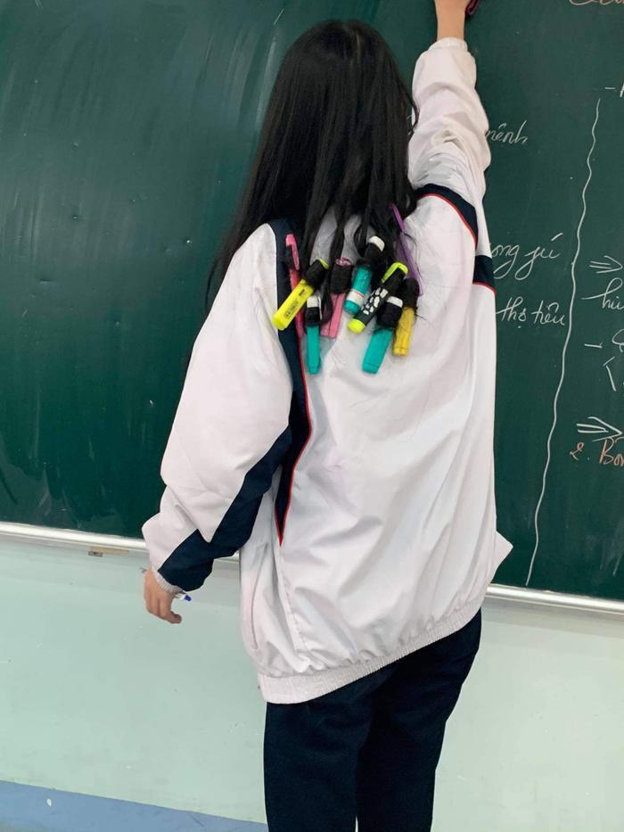 Muốn làm tóc dịp Tết nhưng không có tiền, nữ sinh nảy ra ý tưởng 'bá đạo' khiến dân mạng gật gù ngợi khen Ảnh 2