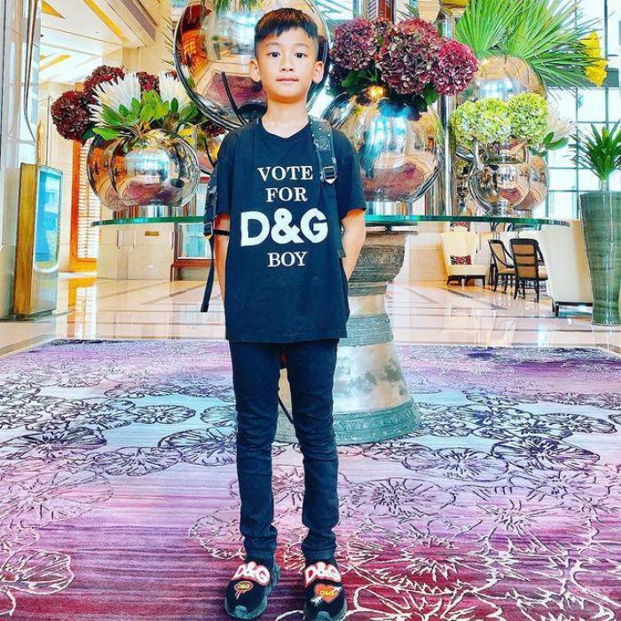 Mới 9 tuổi, con Trai Lệ Quyên ăn diện đúng chuẩn rich kid, tủ đồ ai cũng phát thèm Ảnh 4