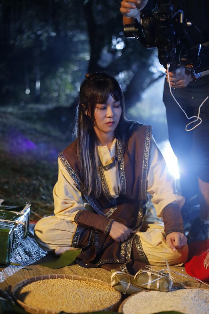 Hot YouTuber Misthy, Di Di và Linh Ngọc Đàm làm nhiệm vụ 'cứu Tết' theo phong cách bá đạo Ảnh 3