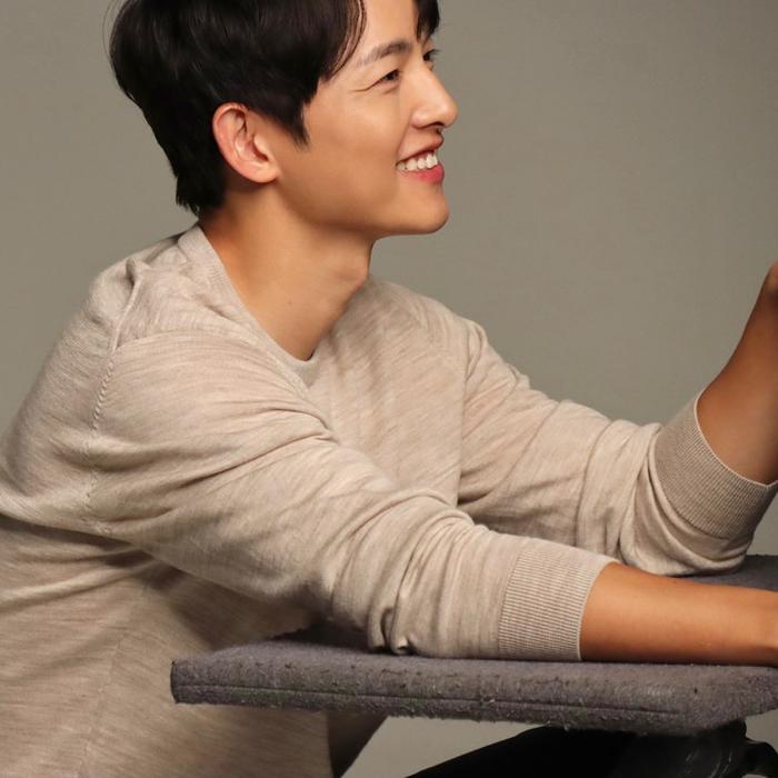 Lễ tình nhân 14/02: Song Joong Ki mở Instagram chính thức, Song Hye Kyo liền đăng ảnh 'dằn mặt'! Ảnh 1