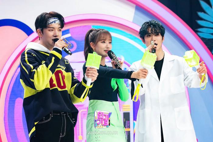 Sau The Show, M!Countdown, show âm nhạc Inkigayo cũng tiếp nối 'thay máu' dàn MC mới Ảnh 2