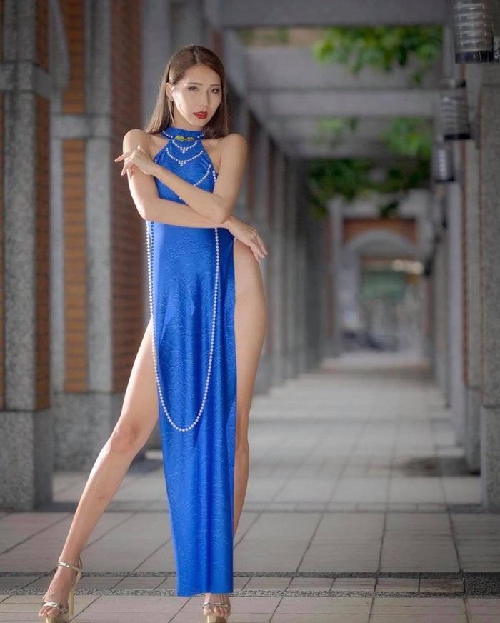 'Quên' mặc quần khi diện áo dài, nữ người mẫu khiến dân mạng phẫn nộ vì tạo dáng quá phản cảm