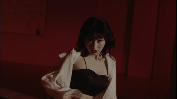 Fan 'dậy sóng' khi Momo chính thức phát hành video vũ đạo đầu tiên: Cùng lúc cân 2 phong cách khác nhau Ảnh 1