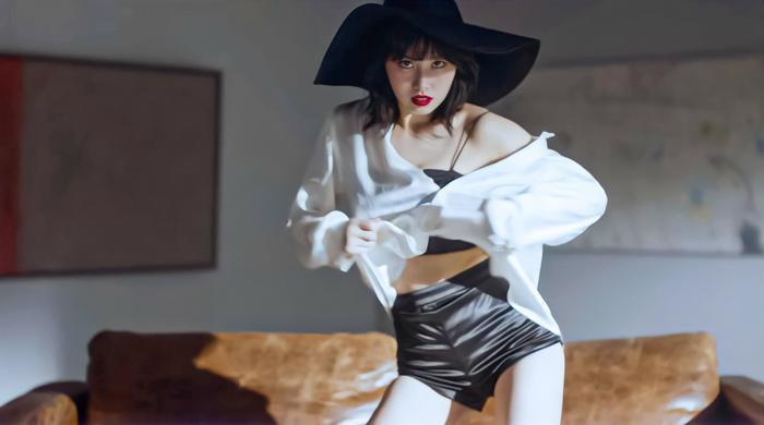 Fan 'dậy sóng' khi Momo chính thức phát hành video vũ đạo đầu tiên: Cùng lúc cân 2 phong cách khác nhau Ảnh 7