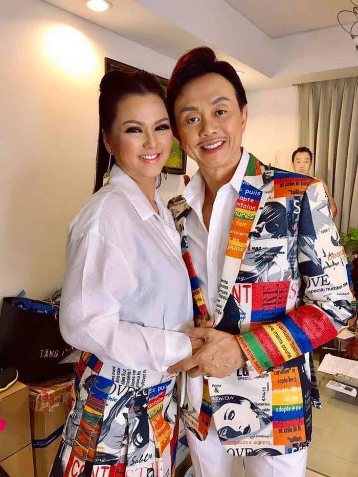 Gia đình cố nghệ sĩ Chí Tài chuyển gần 2 tỷ tiền phúng viếng cho NSƯT Hoài Linh để lập quỹ từ thiện Ảnh 4