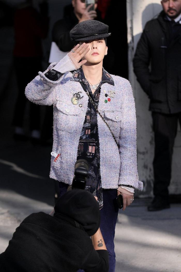 Sau tin đồn hẹn hò, hai đại sứ Chanel G-Dragon và Jennie Black Pink được fans mong chờ đi show cùng nhau Ảnh 1