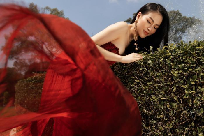 Hoa hậu Phương Khánh tái xuất đẹp mê hồn sau thời gian 'bốc hơi' Vbiz, dính tin đồn có bầu Ảnh 7