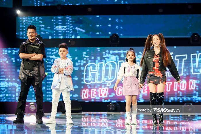 Minh Thư - Song Tùng đội BigLy trình diễn ca khúc mới gây nghiện 'Muợn sữa làm quen' siêu cấp đáng yêu Ảnh 3