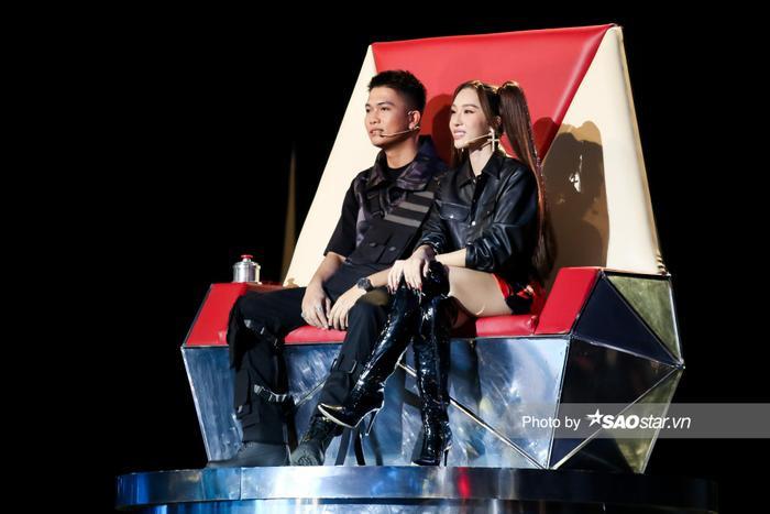 Minh Thư - Song Tùng đội BigLy trình diễn ca khúc mới gây nghiện 'Muợn sữa làm quen' siêu cấp đáng yêu Ảnh 7