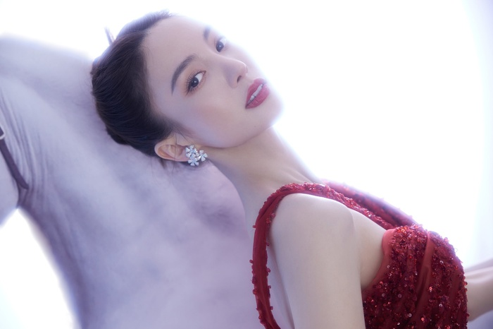 Đêm hội Weibo 2020: Cận cảnh nhan sắc Triệu Lệ Dĩnh, Nhiệt Ba - Cúc Tịnh Y, Dương Tử và loạt mỹ nhân Cbiz Ảnh 34