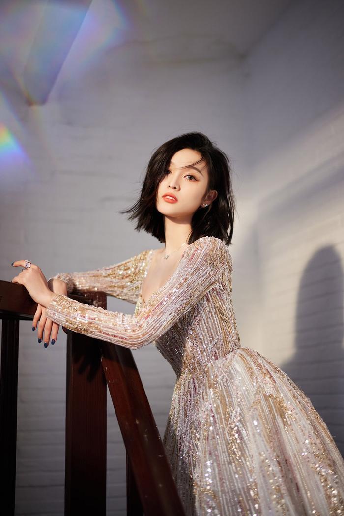 Đêm hội Weibo 2020: Cận cảnh nhan sắc Triệu Lệ Dĩnh, Nhiệt Ba - Cúc Tịnh Y, Dương Tử và loạt mỹ nhân Cbiz Ảnh 19