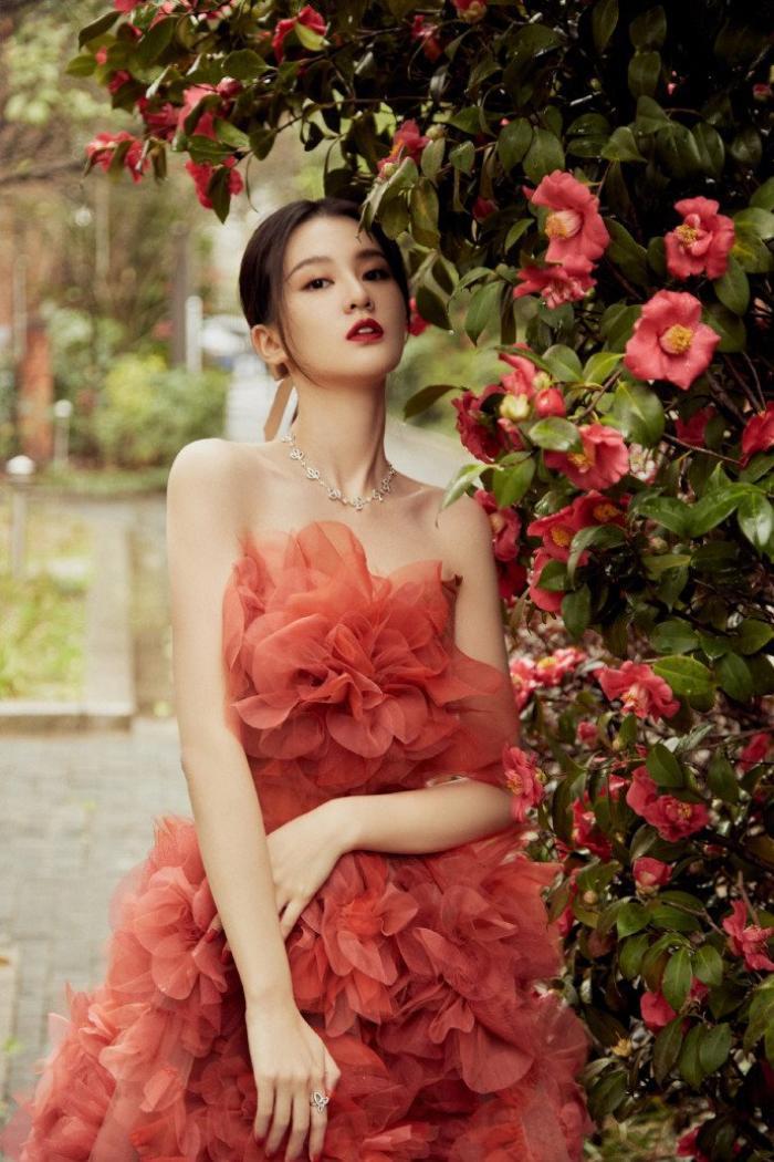 Đêm hội Weibo 2020: Cận cảnh nhan sắc Triệu Lệ Dĩnh, Nhiệt Ba - Cúc Tịnh Y, Dương Tử và loạt mỹ nhân Cbiz Ảnh 27