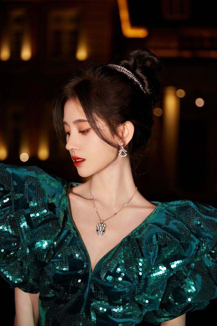 Đêm hội Weibo 2020: Cận cảnh nhan sắc Triệu Lệ Dĩnh, Nhiệt Ba - Cúc Tịnh Y, Dương Tử và loạt mỹ nhân Cbiz Ảnh 30
