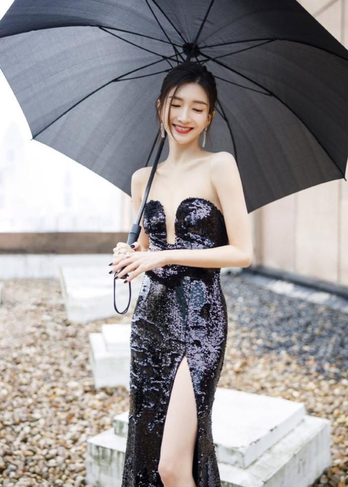 Đêm hội Weibo 2020: Cận cảnh nhan sắc Triệu Lệ Dĩnh, Nhiệt Ba - Cúc Tịnh Y, Dương Tử và loạt mỹ nhân Cbiz Ảnh 45