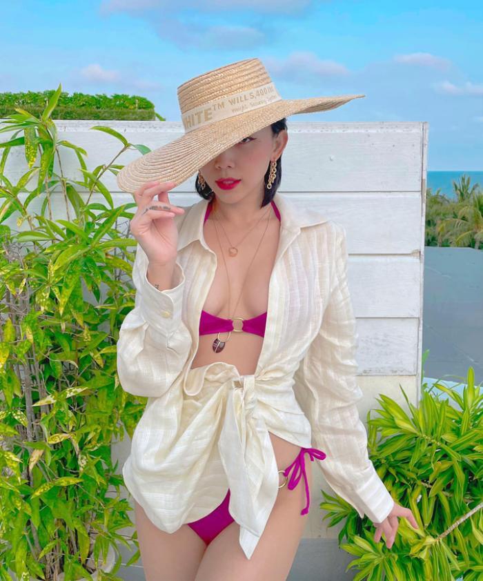 Phí Phương Anh diện bikini khoe nếp gấp đùi, chính thức nhập hội mỹ nhân chưa tới hè đã phô dáng Ảnh 7